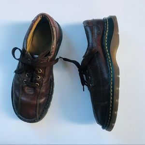 Dr. Martens Men's Low Top Brown Leather boots 9